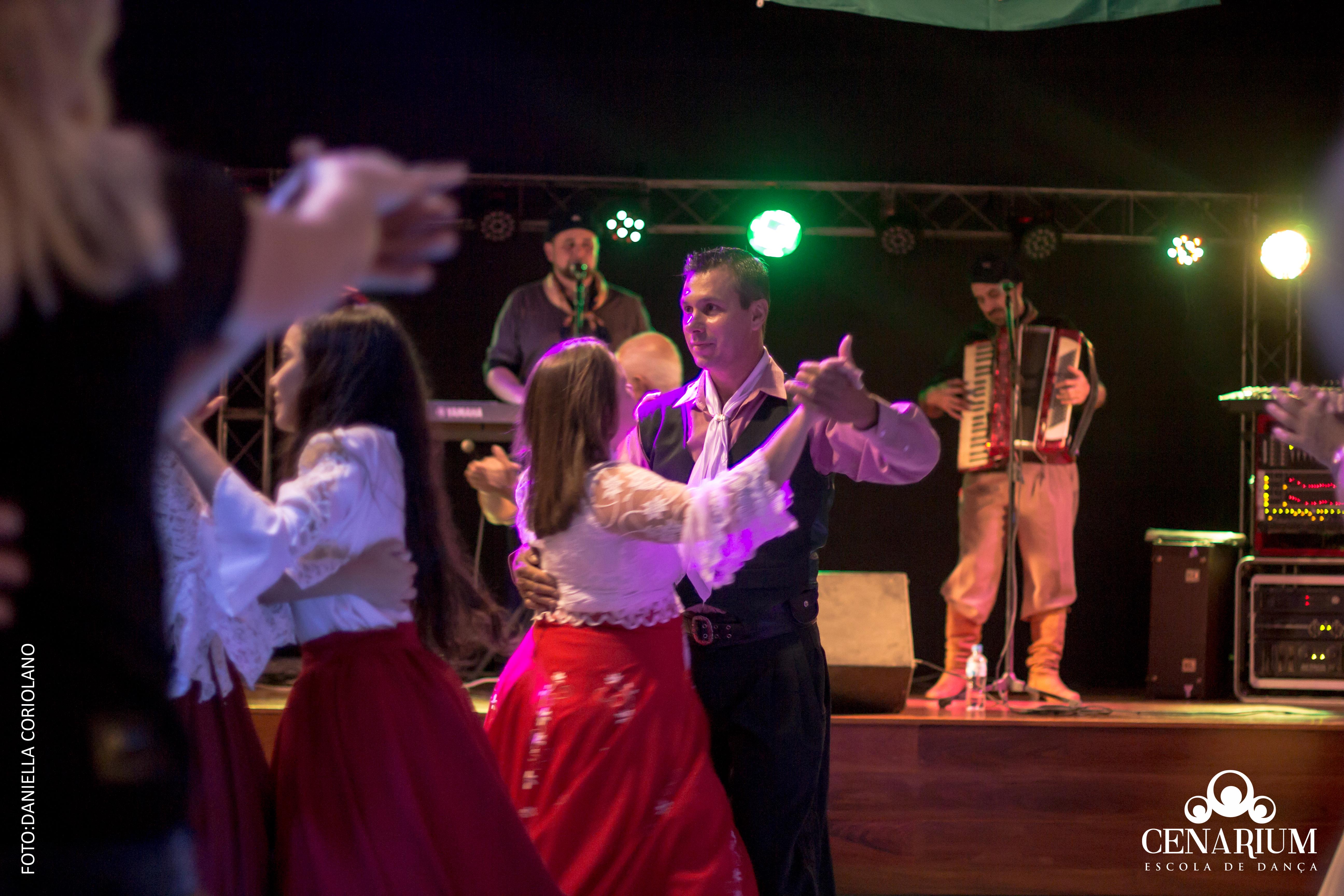 • Baile Danças Gaúchas + Aniver Profº Ney l Dia 11 de Maio de 2019 •